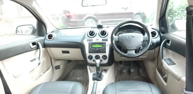 Ford Fiesta TITANIUM DIESEL 2012 full