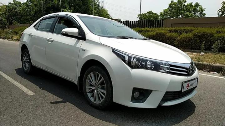 Toyota Corolla Altis 1.8 GL full